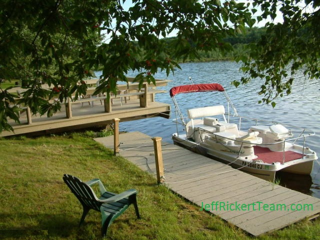 Arrowhead lake in the poconos a private gated community for Pocono rental with private swimming pool
